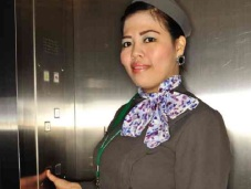 SM Olongapo Elevator Girl/ Photo taken from lifestyle.inquirer.net